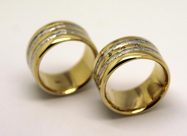 Par De Alianças 10mm 40 Gramas Ouro Amarelo e Branco 18k 750 ... 5cc7429495