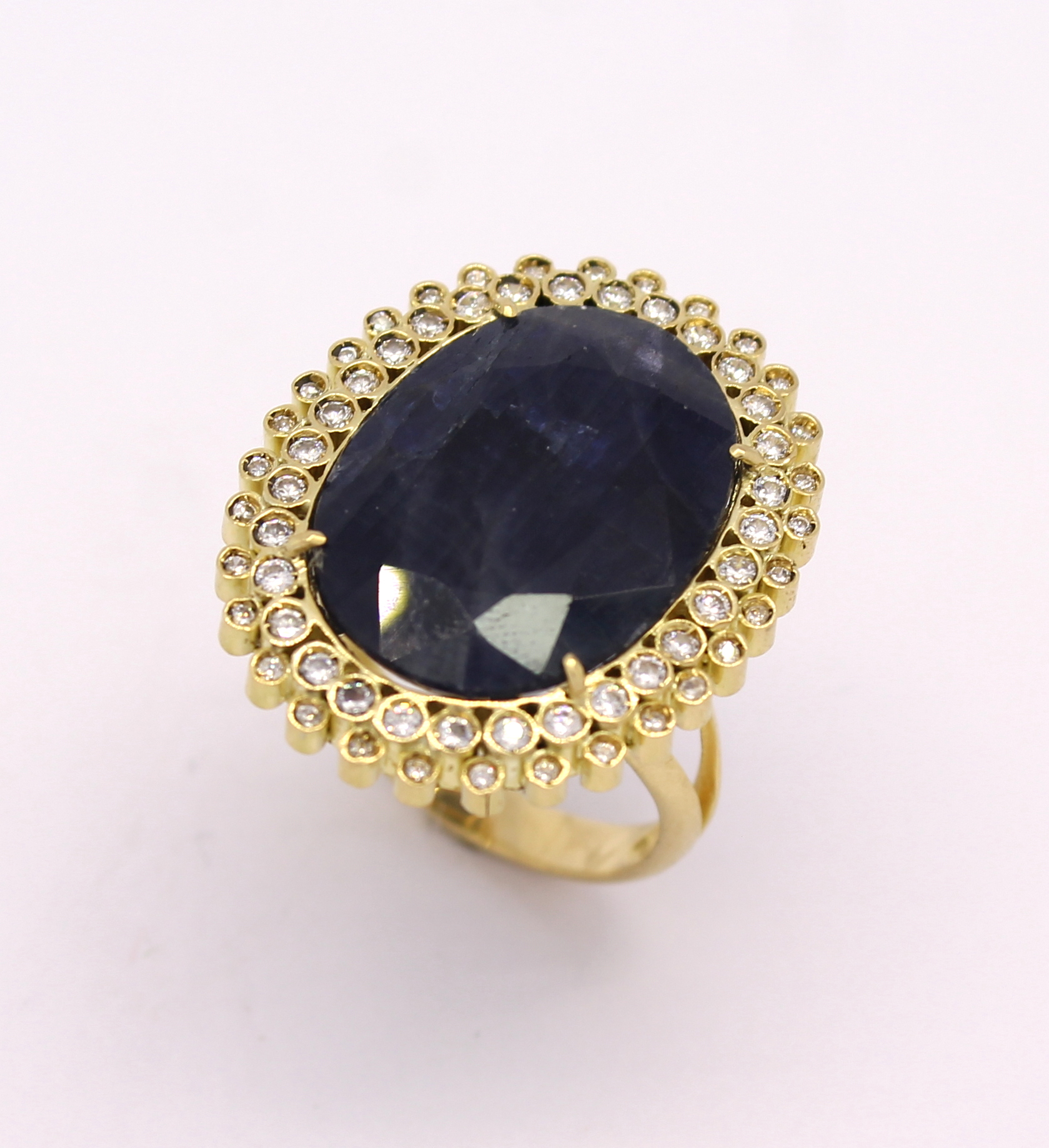 0df86a3c37a Anel Safira Azul Oval Zircônios Ouro Amarelo 18k 750 - Marcio ...