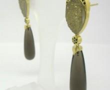 Brinco Drusa, Pérola e Madre Pérola Zircônios Ouro Amarelo 18k 750