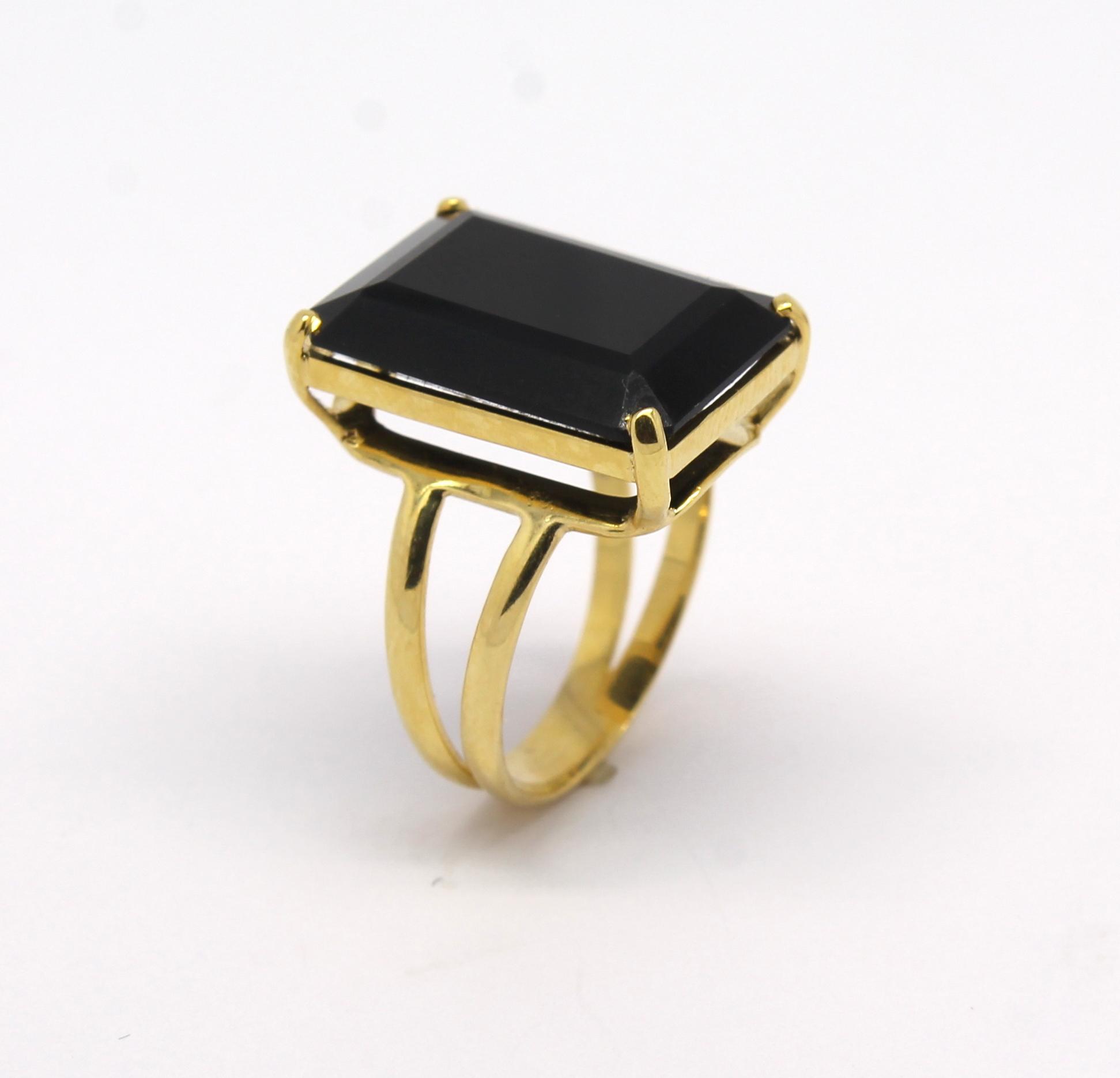 af35648f29ab4 Anel Ônix Retangular Ouro Amarelo 18k 750 - Marcio Joalheiros ...