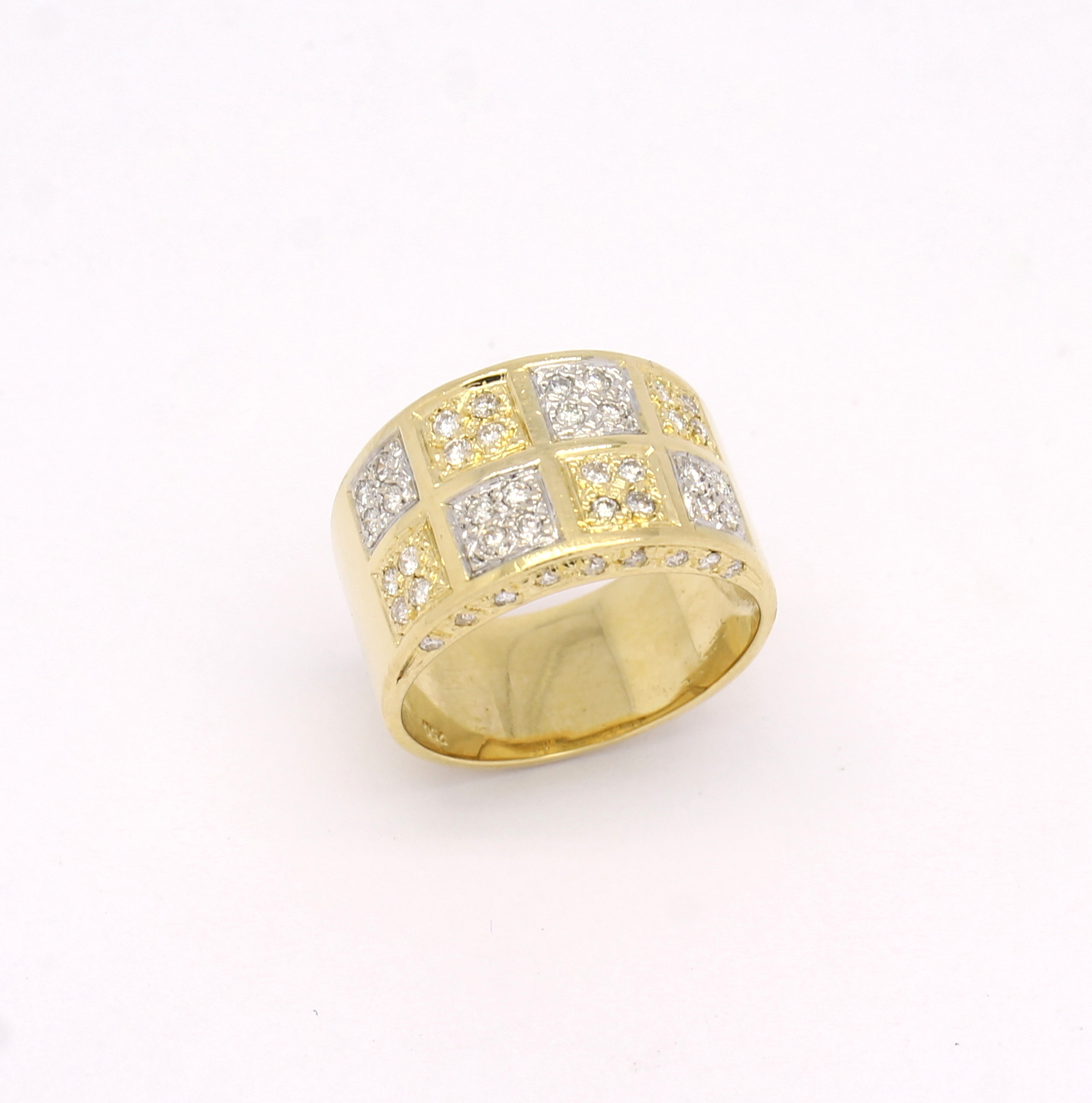 56c667c0677 Anel Quadrados Diamantes Ouro Amarelo e Ouro Branco 18k 750 - Marcio ...