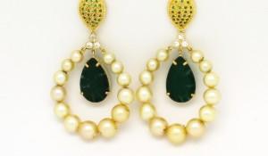 Par de brincos Pérolas cultivadas, Jade, Esmeraldas e Zirconio Oa 18k 750 (2)
