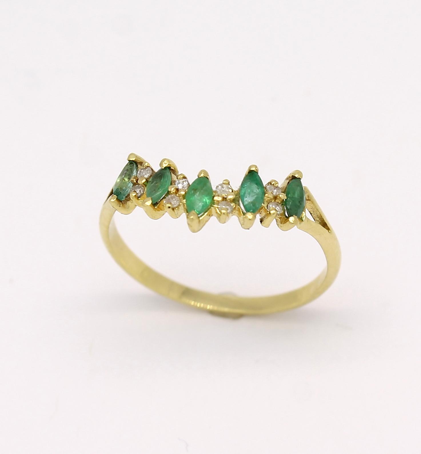 Meia Aliança Esmeralda e Diamantes Ouro 18k 750 - Marcio Joalheiros ... 1117c623fb