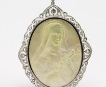 Pingente Santa Teresinha Madrepérola Diamantes e Platina e Ouro 18k 750 (3)