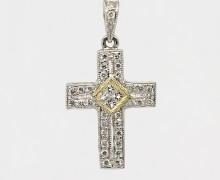 Cruz de Diamantes Ouro Branco 18k 750 (5)