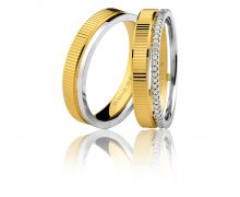 Par de Alianças Trabalhada com Diamantes Ouro 18k 750