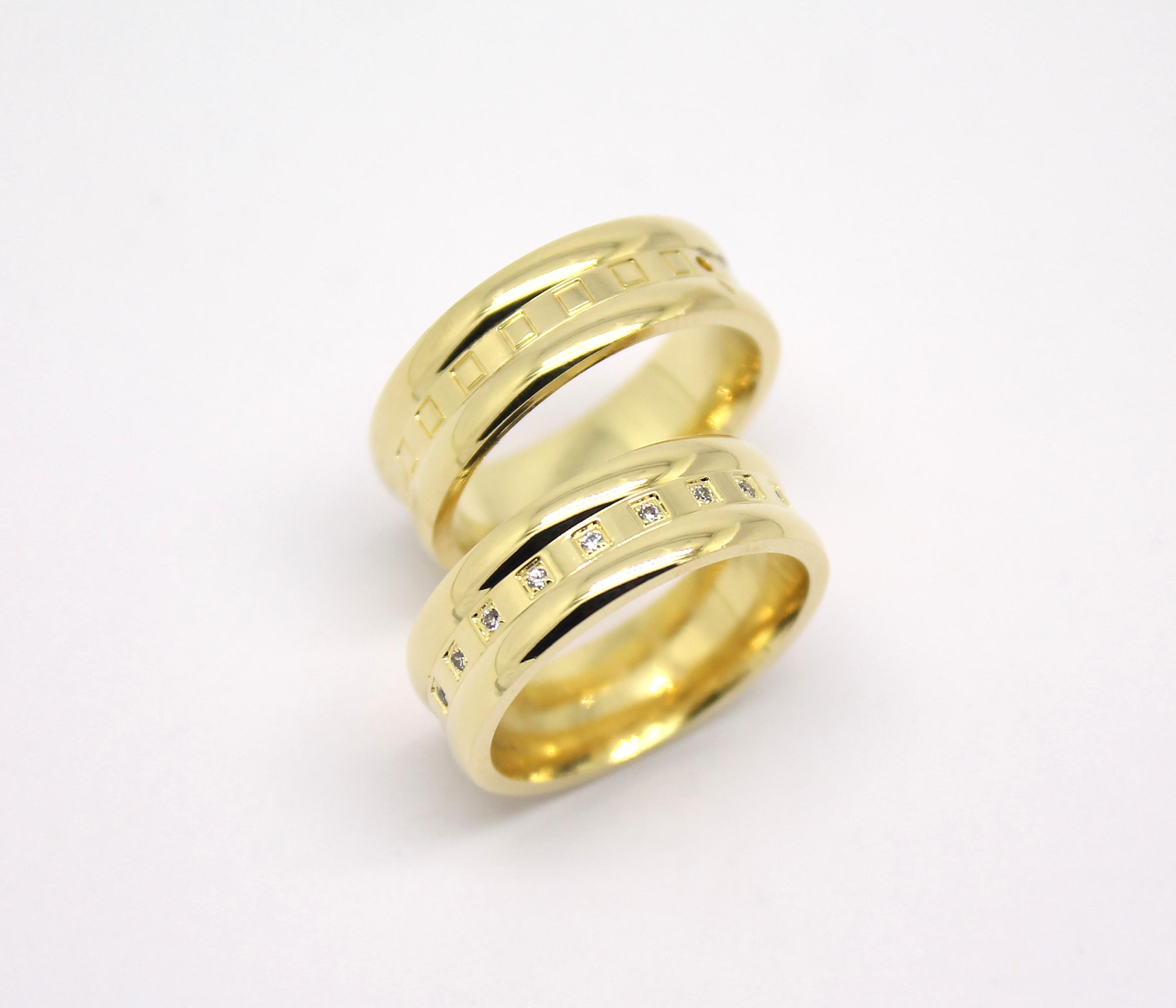 944b654f964 Par de Alianças com Quadrados e Diamantes Ouro 18k 750 - Marcio ...